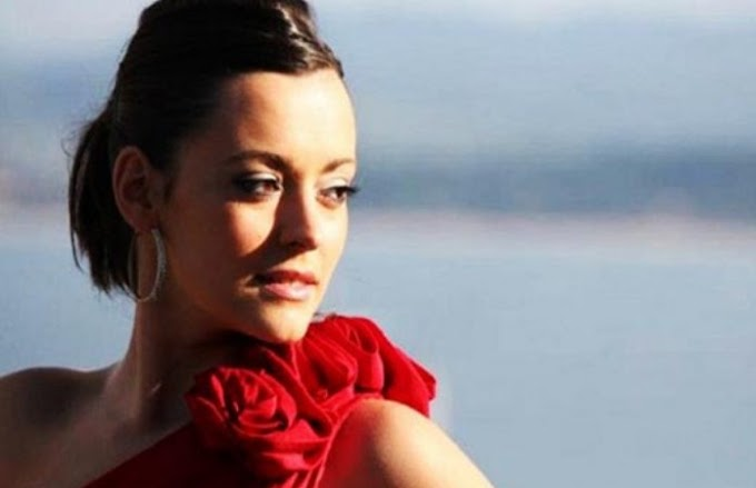 Spanish singer Joana Sainz has died on stage of fireworks