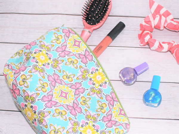 Quick Zipper Pouch Tutorial + Free Cosmetic Bag Pattern