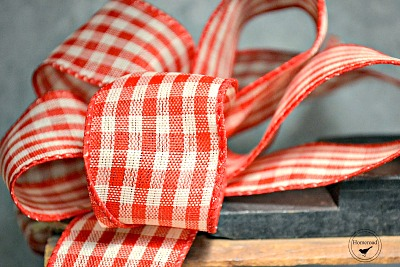 Gingham bow and treats for a Hot cocoa tote