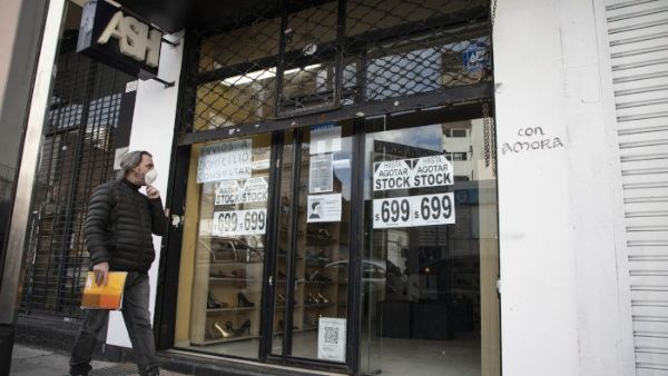 Argentina extiende hasta el 24 de julio plazo para negociar su deuda