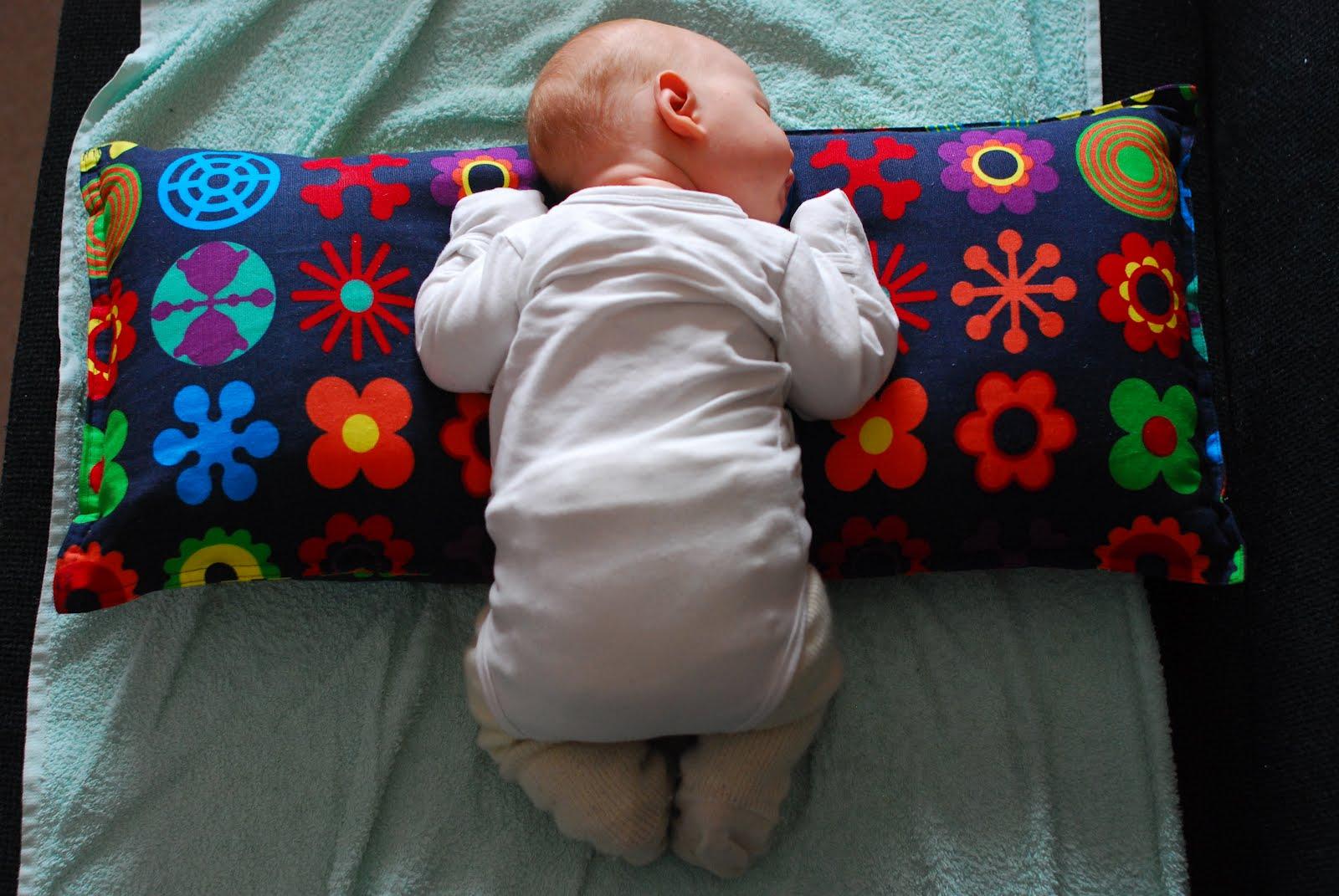 vauvan röyhtäytys asento
