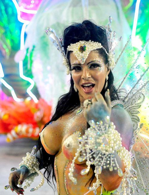 В рио ганг банг карнавал