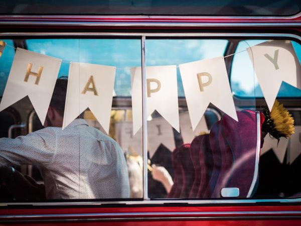 Oh happy day - ein Roadtrip durch Köln im Oldtimer-Bus