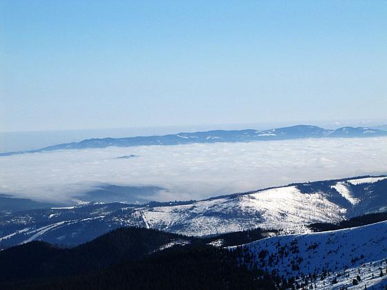 Pasmo Radziejowej (1266 m n.p.m.) - z najwyższym szczytem Beskidu Sądeckiego.