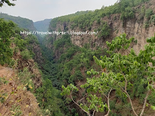 पचमढ़ी यात्रा - Jabalpur to Pachmarhi Travel | One day trip to pachmarhi