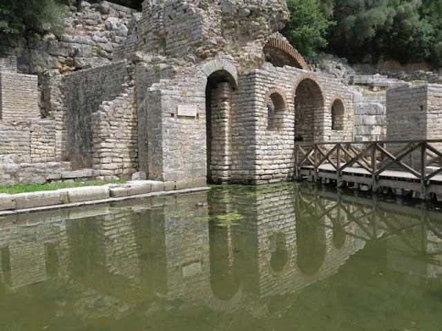 ruiny w butrincie w Albanii