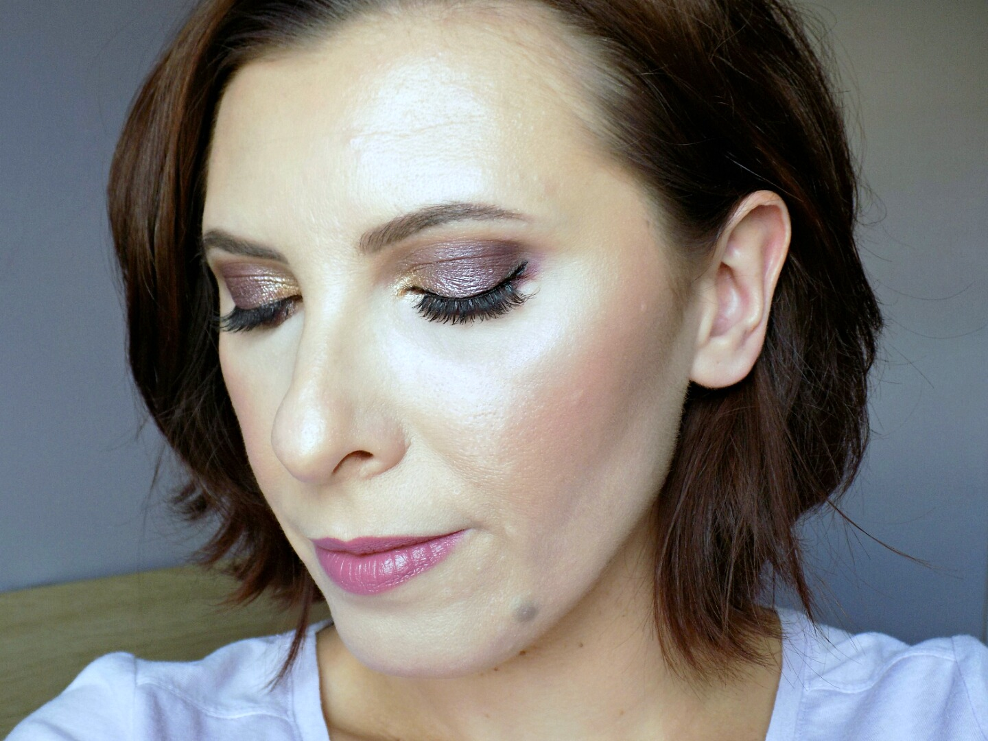 soft mauve makeup look
