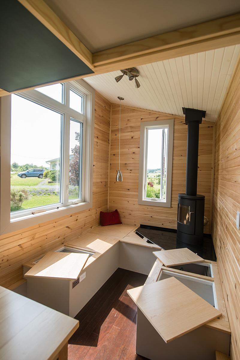 TINY HOUSE TOWN: The Harmony House From Full Moon Tiny