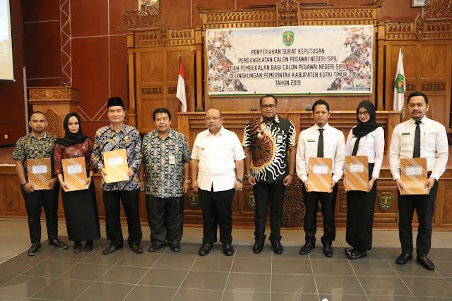 Serah Terima SK CPNS 2018 Kutai Timur