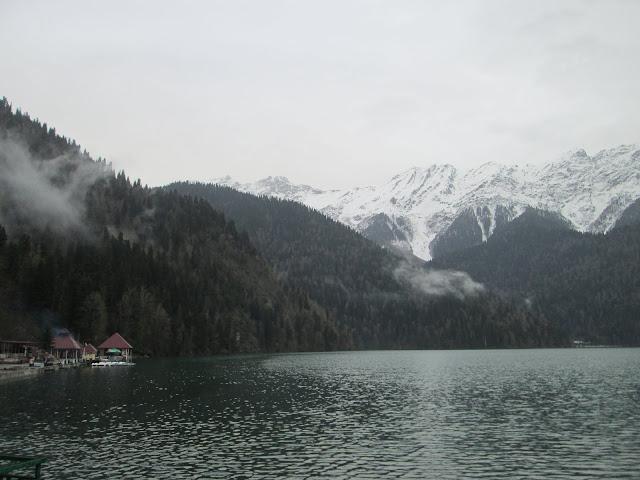 El Lago Ritsa es una de las maravillas naturales de Abjasia