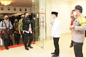 Kapolda Kalteng Sambut Kedatangan Menteri Dalam Negeri di Bandara Tjilik Riwut Palangka Raya