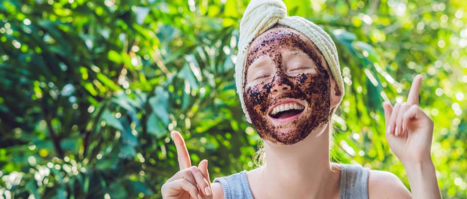 piling-maska-njega-tijelo-kosa-kafa