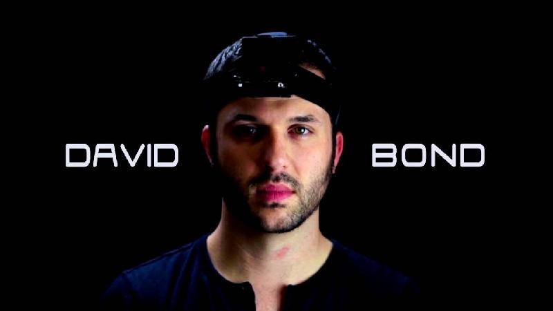 David Bond, Playboy yang Bikin Geger di Asia