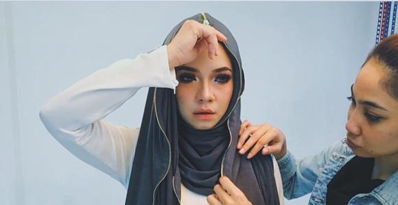 Tudung Zip Nora Danish