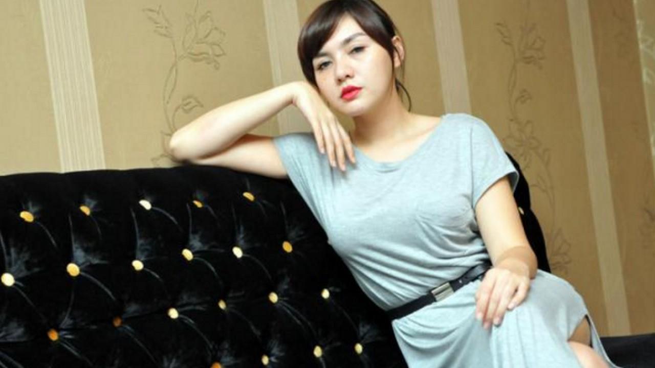Biodata Vicky Shu Penyanyi Cantik Asal Cilacap Jawa Tengah Lengkap Dengan Foto Terbarunya