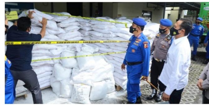 Kabaharkam Polri Ungkap Temuan Bahan Peledak 16.375 Ton
