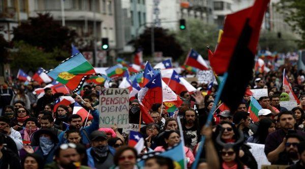Más de 10.000 personas participan en cabildos abiertos en Chile