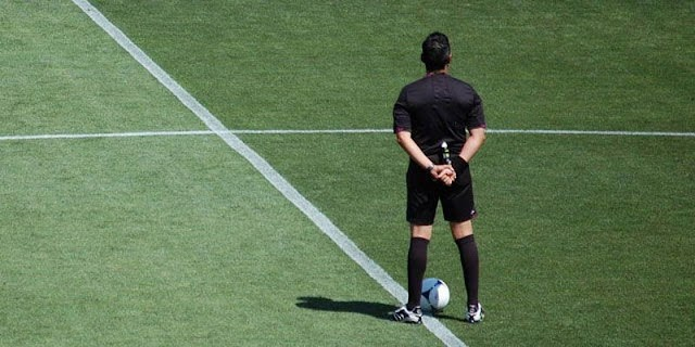Arbitro de fútbol en Coripata engañaba a menores para tener material pornográfico