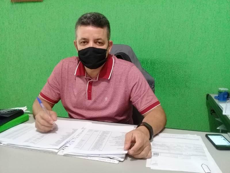 Prefeito de Jangada recebe alta de hospital após 7 dias internado para tratamento de Covid-19