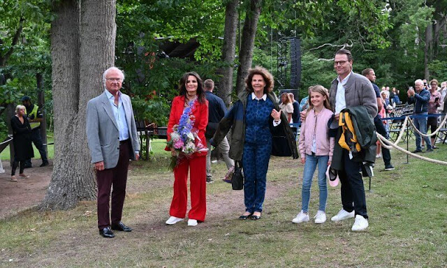 King Carl Gustaf, Queen Silvia, Prince Daniel, Princess Estelle and Lena Philipsson