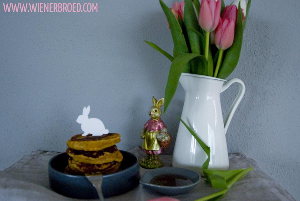 Rezept für Rüblikuchen-Pancakes, der leckere Karottenkuchen als Pancake, perfekt für das Osterfrühstück / Carrot Cake Pancakes [wienerbroed.com]