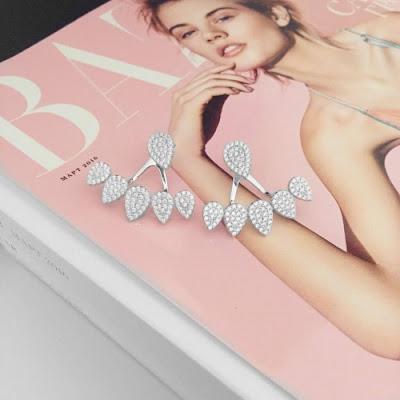 Biżuteryjne wyprzedaże - co warto kupić latem?