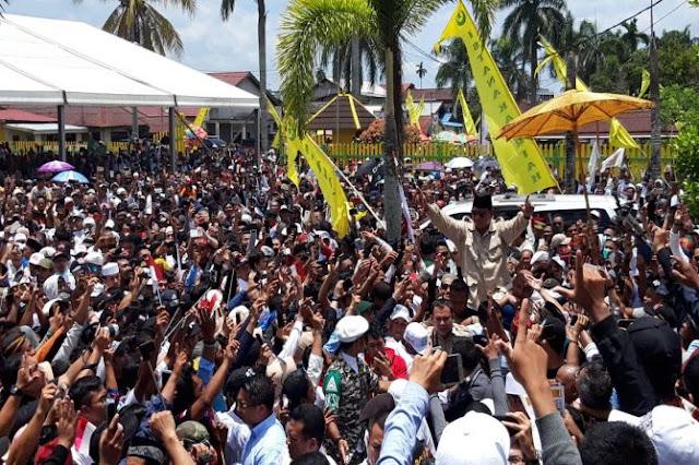 Prabowo Datang, Teriakan '2019 Ganti Presiden' Menggema di Pontianak