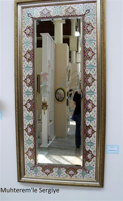 Porcelain painting mirror