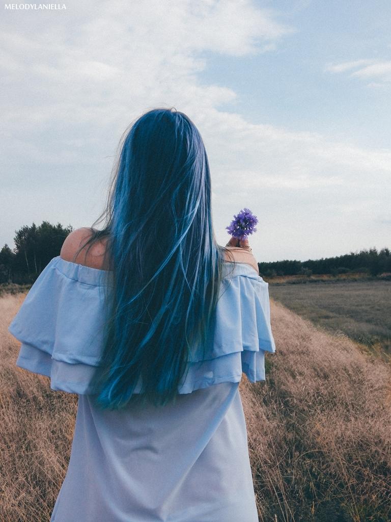 6 daniel wellington ootd lookbook fashion blogger modowe blogerki z łodzi melodylaniella blue hair niebieskie włosy baby blue hiszpanka venita błękitna sukienka stylizacja outfit modna polka pastel hair
