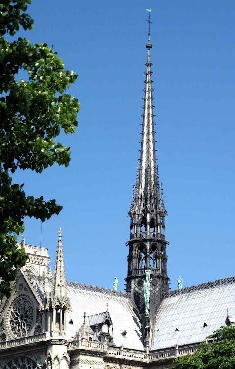 A agulha de Notre Dame tal qual era antes do incêndio