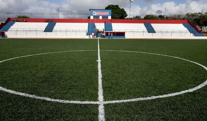 Estádio de Serrolândia recebe novo gramado; tempo médio de durabilidade é de 10 anos