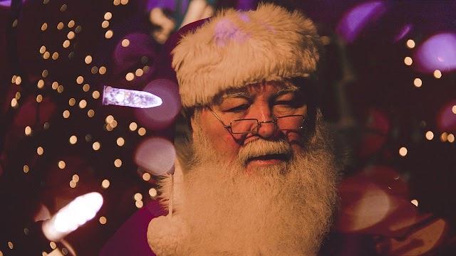 Le père et la mère Noël positifs au Covid-19, 50 enfants en quarantaine en Etats-Unis :