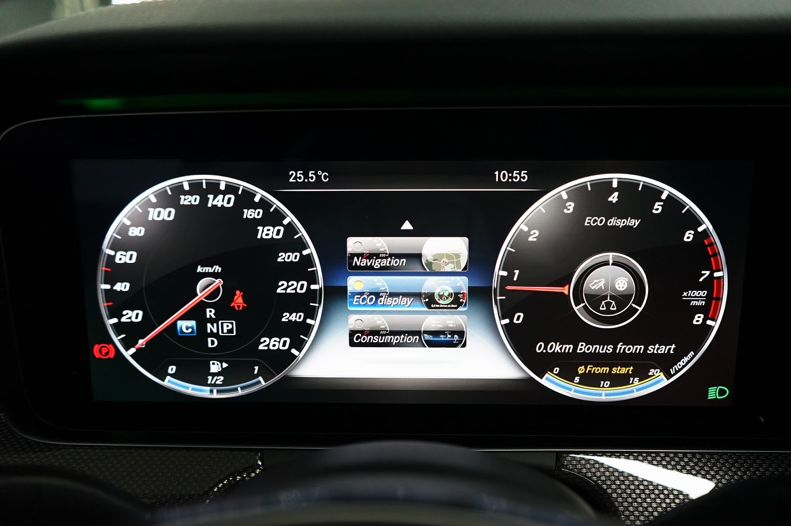 xe Mercedes Benz E400 thế hệ mới 09