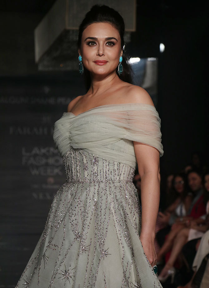 Preity Zinta walks for Falgun and Shane Peacock during LWF 2017 Pics