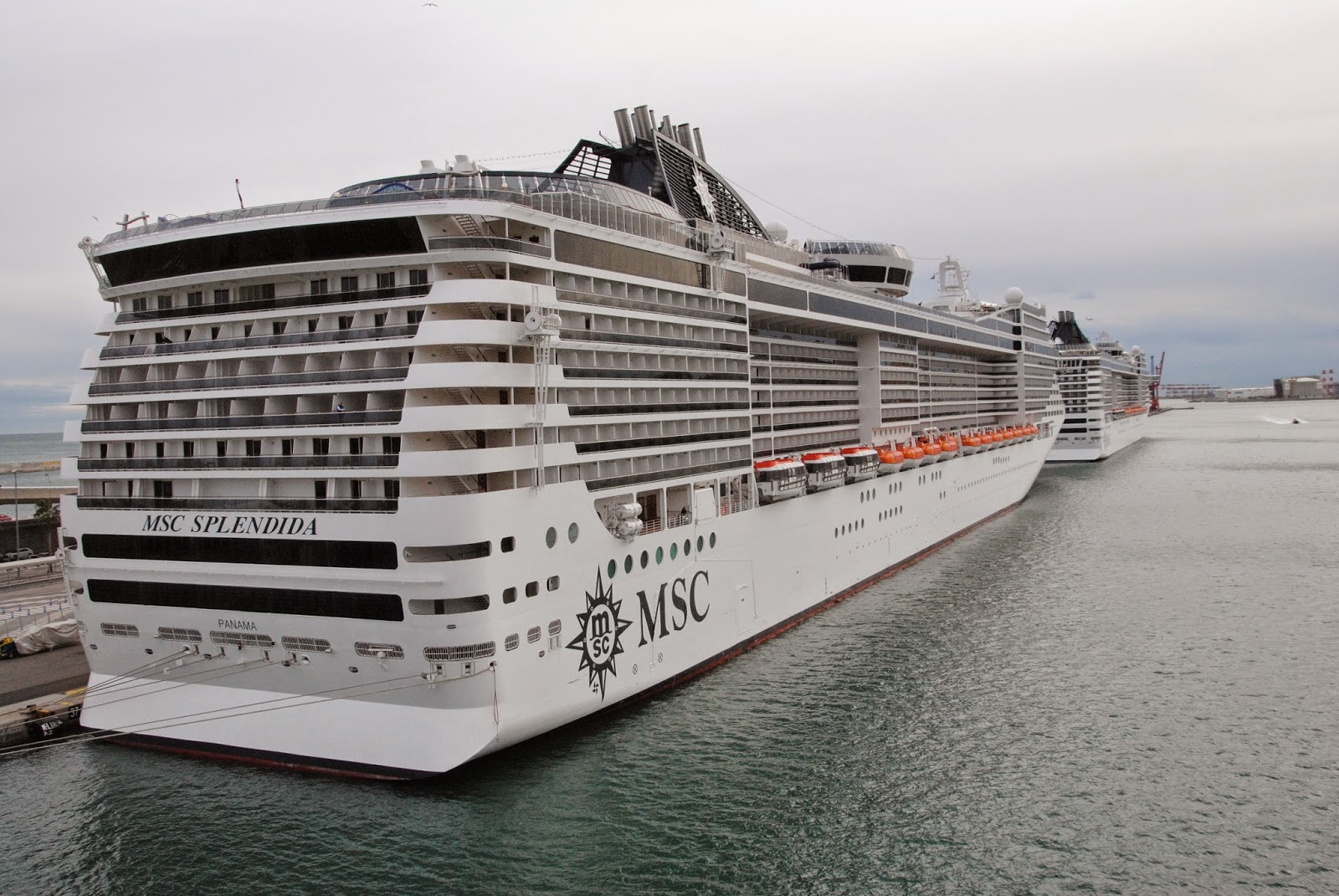 Two MSC FANTASIA-CLASS cruise ships in Barcelona