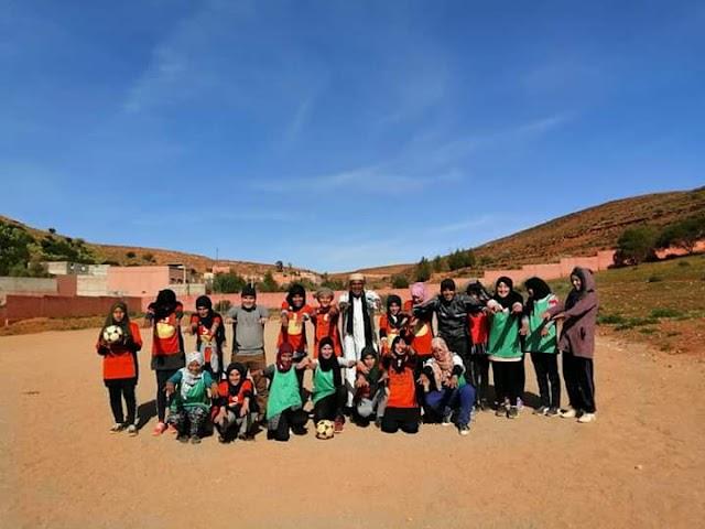 تتبع الإدارة التربوية لتداريب فريقي ممثلي مديرية سيدي افني في الاقصاييات الجهوية للكرة المصغرة فتيات