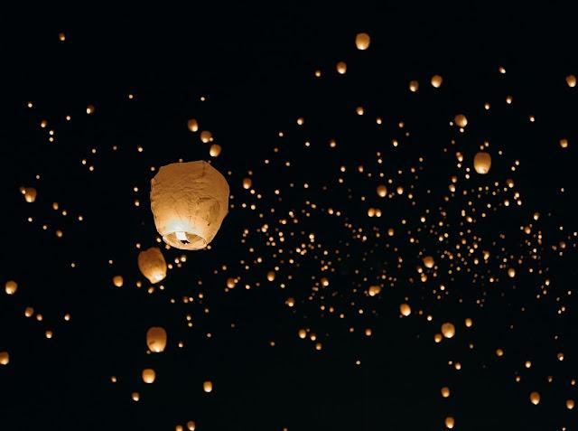 festival lanternas tailândia