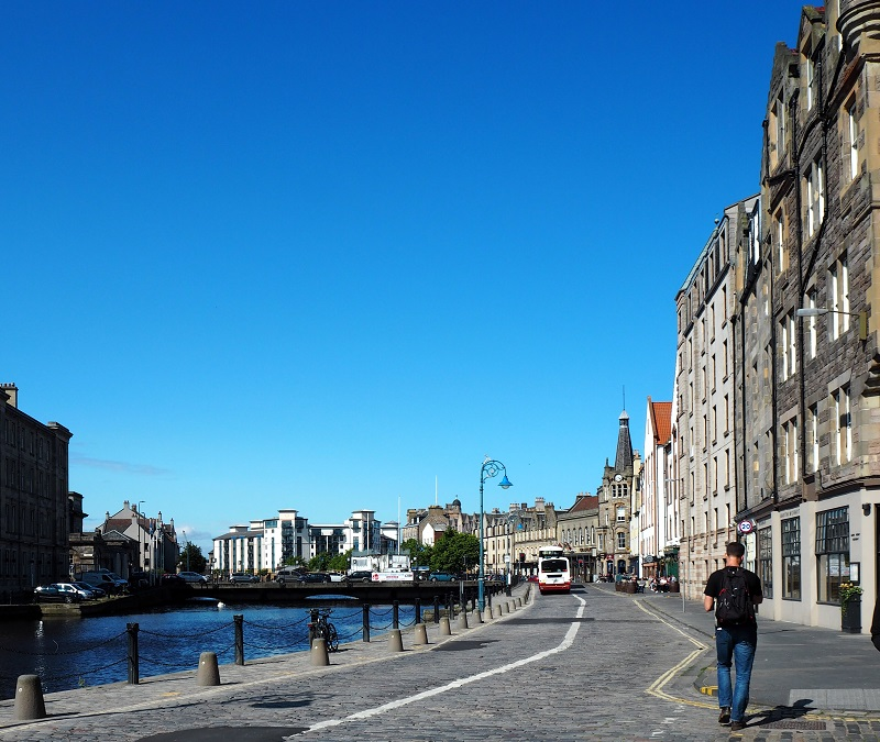 Sunny shore in Leith