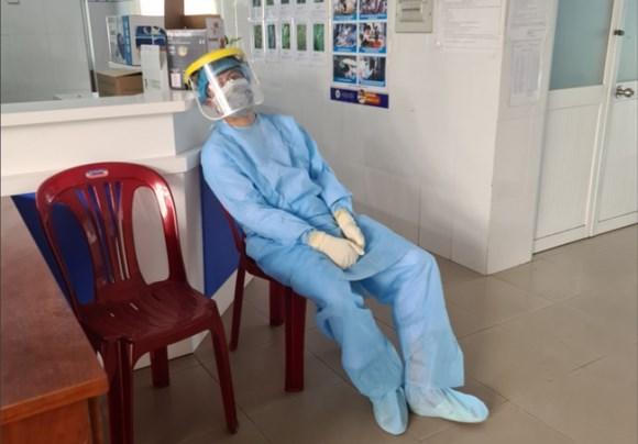 TP.HCM: Hàng chục hộ dân chung cư cao cấp có bệnh nhân nhiễm Covid-19 đóng cửa, không hợp tác lấy mẫu xét nghiệm