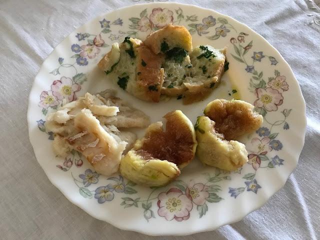 Açorda de figos com bacalhau