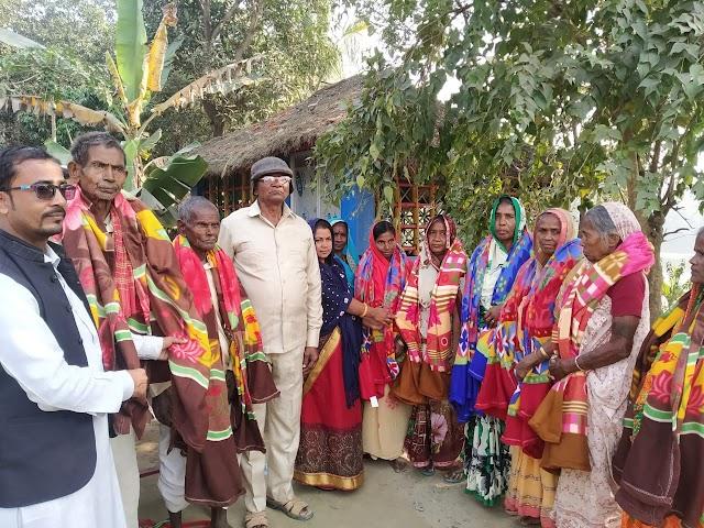 तीन दर्जन लोगों को जनमानस संस्था ने दिए कंबल