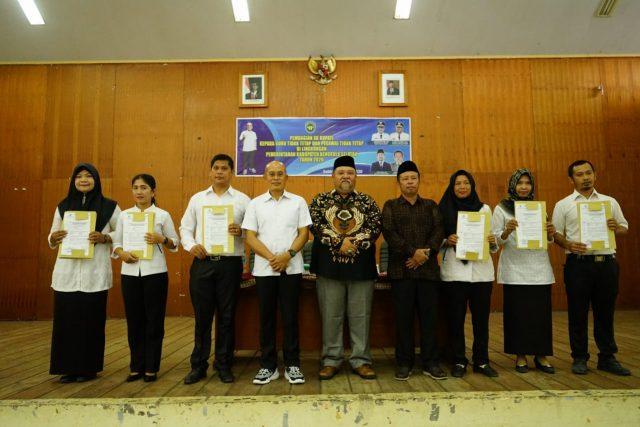 642 Guru dan Pegawai Tidak Tetap di Bengkulu Selatan Terima SK Bupati