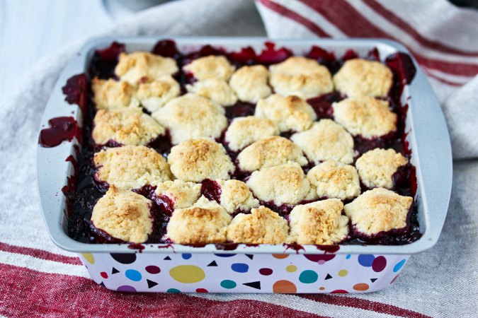 Blackberry Cobbler with bubbly filling