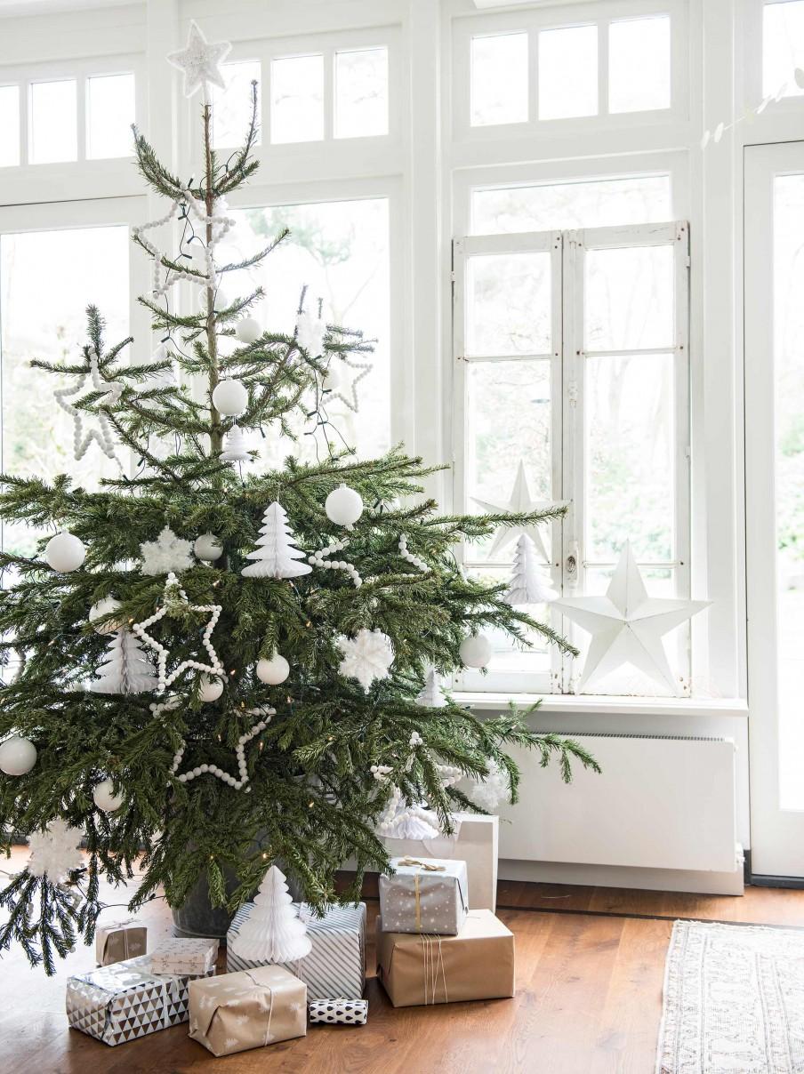 arbol de navidad, blanco, complementos para el arbol, bolas para navidad, decoracion navideña, blanco, estrellas, bolas blancas,