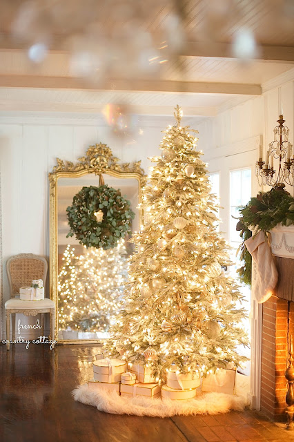 Weekend View & Christmas Decorating & Book Signing today
