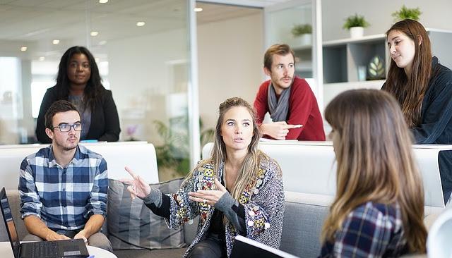 Agencja reklamowa: czym się zajmuje i jak potrafi pomóc twojemu biznesowi?