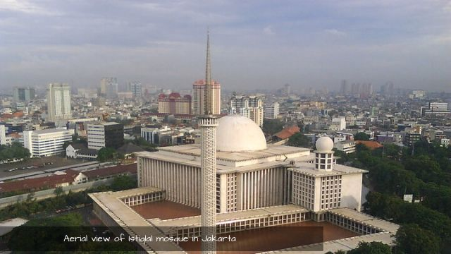 Welcome to Istiqlal mosque the biggest mosque in Indonesia