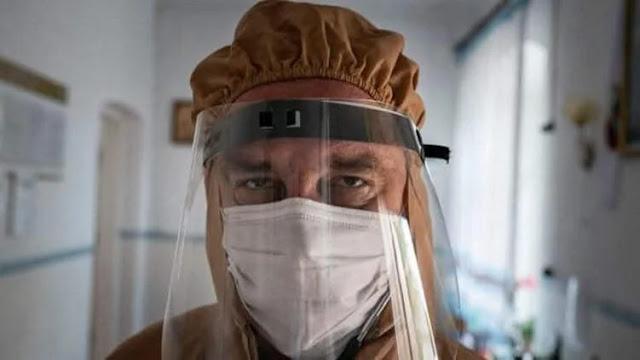 Врач, ставший символом борьбы с коронавирусом, умер от пневмонии