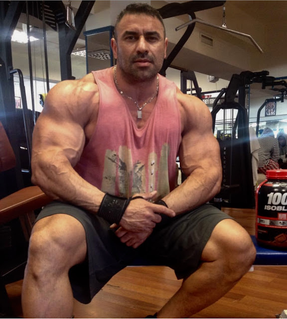 Muscle Ammiratore Turkish Muscle Hunk Bilgehan Koc