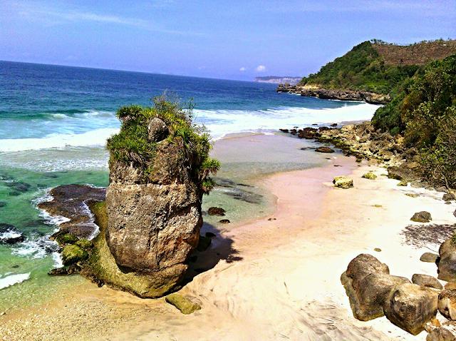 Pantai Gemah Tulungagung Wisata Memesona dengan Aneka Wahana